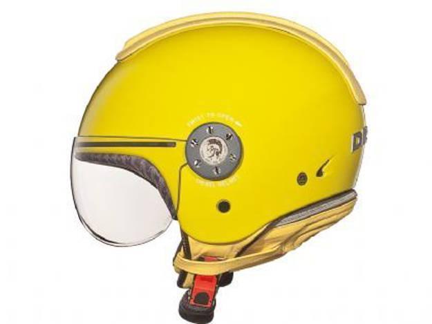 אופנוסנטר, ציוד לאופנועים ואביזרים לאופנוע - קסדת *עודפים* לאופנוע AGV בעיצוב DIESEL צבע צהוב